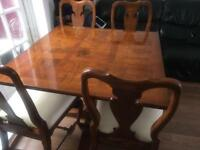 Dining table with 4 Queen Anne chairs