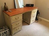 Dresser with 6 draws perfect for upscaling