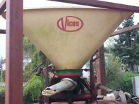 tractor fertilizer spinner