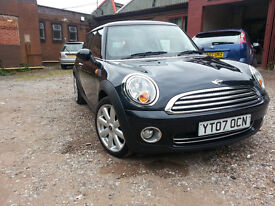 Mini Cooper with long MOT, and full stamped Service History, 2 previous owners, HPI clear