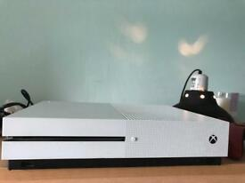 Xbox one s, ok condition