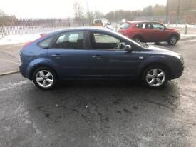 ford focus 1.6 zetec climate 5 door metallic blue very economical very reliable