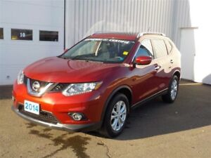 2014 Nissan Rogue SV-LIKE NEW--LOW KMS