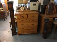 NICE PINE CHEST OF DRAWERS