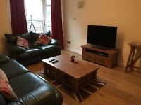 Beautiful 4 Bedroom House, Glasgow Green - Close to City Centre and Merchant City
