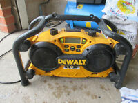 work DEWALT Combination Job Site Radio and 7.2-Volt-18-Volt Battery Charger