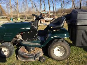 Craftsman 19 hp lawn tractor 42' mower with bagger