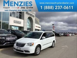 2015 Chrysler Town & Country Touring, DVD, Bluetooth, Clean CARP