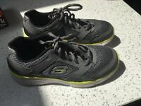 Boys Skecher trainers size 4