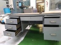 Desk heavy duty engineering