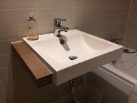 Gamadecor Off-white Bathroom Basin