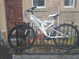 Bicycle mountain bike muddy fox including accessories