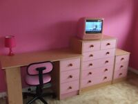 Pink Bedroom Furniture Desk & Chair + Large Chest of Drawers + Bed Side Drawers+Lamp+TV DVD+Rug