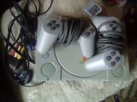 PlayStation 1, No games, all wires and controlers!