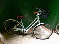 "Stylish and Elegant Ladies Giant Liv Road Bike, Retro/Vintage style, Light Blue, 19"" Frame"