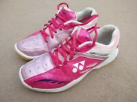 Girls Yonex Power Cushion Trainers