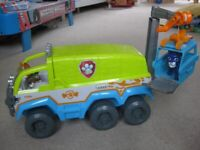 Paw Patrol Jungle Terrain vehicle & figures