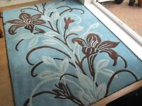 100% Wool rug thick pile teal with patern as picture