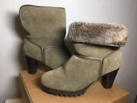 UGG® Australia - Charlee Ankle Boots - Size 4.5 (Uk).