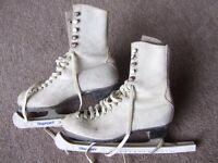 VINTAGE LEATHER SKATING BOOTS