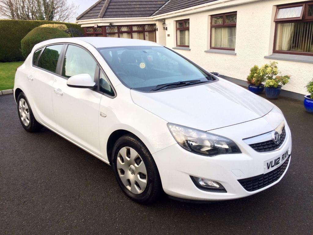VAUXHALL ASTRA 1.7 CDTI DIESEL, 2012, WHITE **FINANCE THIS FROM £31 PER WEEK**
