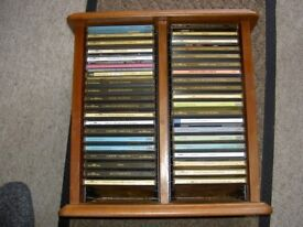LOT OF 40 CLASSICAL CD ALBUMS IN A WOODEN STAND