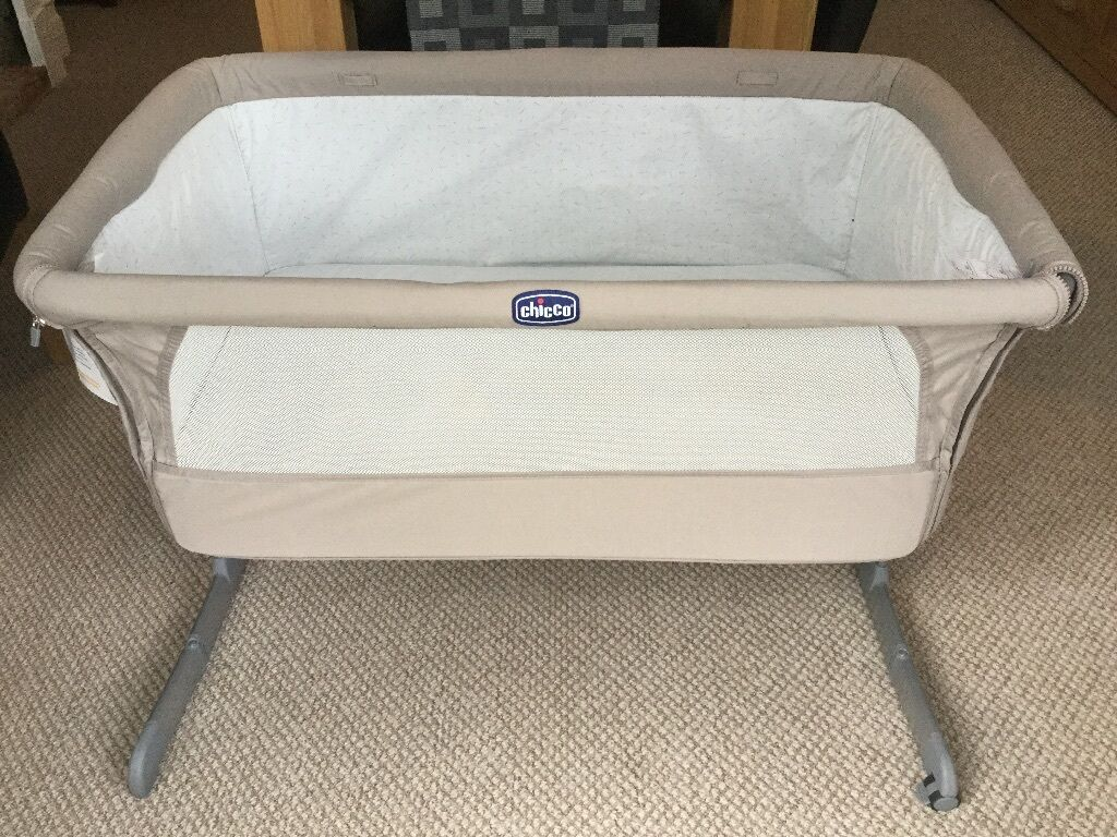 chicco next to me side sleeping crib excellent used. Black Bedroom Furniture Sets. Home Design Ideas