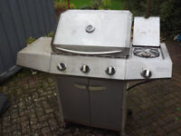 BBQ 3 gas burners & 1 wok burner with cover.