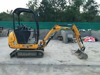 1.5 TONNE 2009 JCB MINI DIGGER WITH TRAILER 937 HOURS £9800 NO VAT