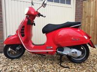 Vespa GTS250ie in Rosso Red