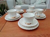 Vintage Royal Albert Val D'or 15 Piece Tea Set Excellent Condition