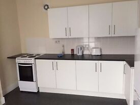 fully furnished rooms in refurbished HMO, large kitchen, shower room, sep wc, laundry facilities