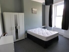 Two Double Rooms in Shared House on Alexandra Road, Mutley