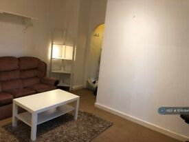 1 bedroom flat in Old Lansdowne Road, Manchester, M20 (1 bed) (#1106064)
