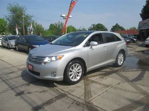 2011 Toyota Venza LEATHER, SUNROOF.
