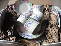 New unused Crown Dynasty dinner set 4 x settings inc tea cups and saucers