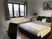 En suite double in Erskine, Glasgow airport, 15mins to GLA centre