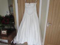 Wedding Dress by Pearce Fionda, size 16