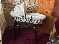 Moses basket with sheets and stand