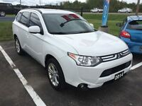 2014 Mitsubishi Outlander ES PREMIUM 4X4, LEATHER, BACK UP CAMER