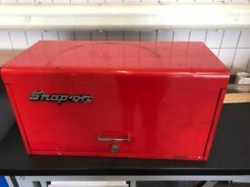 Snap on tool box (top box)