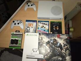 Xbox one s 1TB Gears of war 4 pack!!!