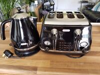 Delonghi Toaster and Kettle.