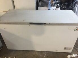 5 ft long massive capacity strong efficient relaible fully working chest freezer for sale