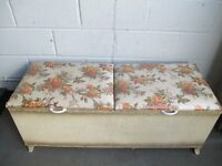 RARE DOUBLE OPENING LARGE VINTAGE SIRROM PADDED TOP OTTOMAN BLANKET CHEST FOR REFURB FREE DELIVERY