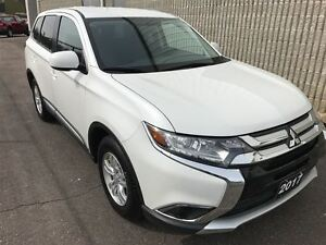 2017 Mitsubishi Outlander ES, Back Up Camera, 4x4, 10 Yr Warrant