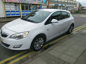 easter bargain vauxhall astra 1.4 active 2012