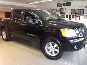 2011 Nissan Titan PRO-4X/LEATHER/SUNROOF/1 OWNER LOCAL TRADE!!!
