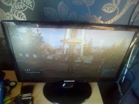 """19"""" lcd tv/ monitor"""