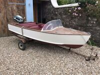 Vintage Wooden Speed Boat - River Launch - Evinrude 5.5